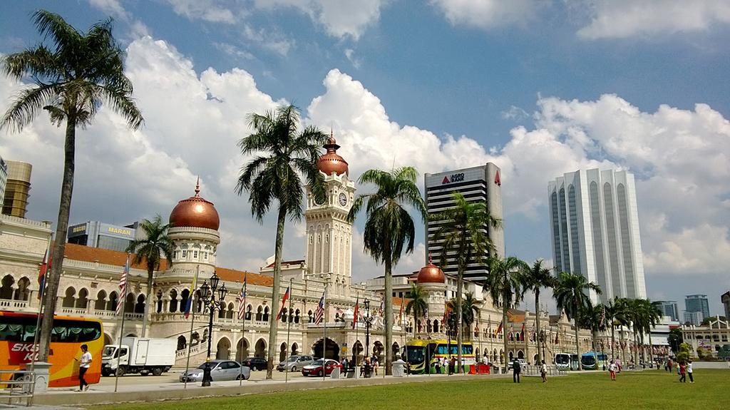 Площадь Независимости | Русский гид в Куала Лумпуре