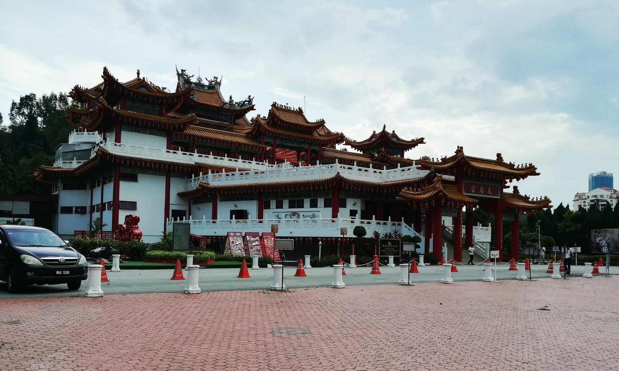 Китайский храм Тянь Ху | Русский гид в Куала-Лумпуре